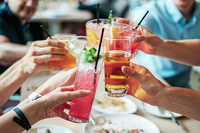 Low Calorie Summer Cocktails Featured